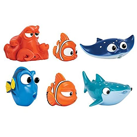 amazon com finding dory bath squirters set toys games