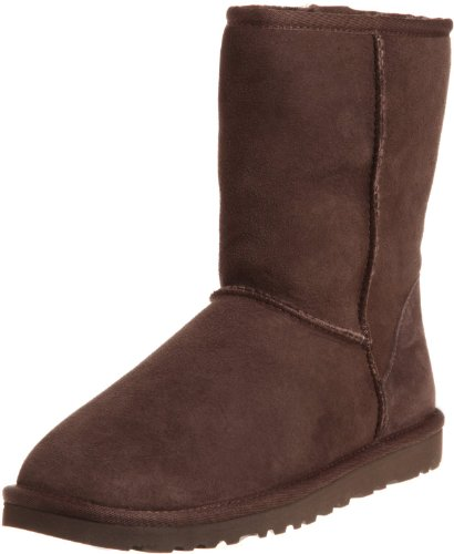(UGG Australia Women's Classic Short Chocolate Sheepskin  Boot - 5 B(M) US)