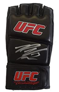 Rory ares macdonald autographed ufc training fight glove for Ares montreal cuisine