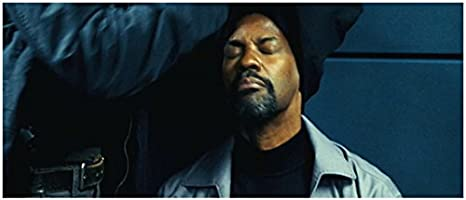 Safe House 2012 8x10 Photo Removing Hood From Denzel Washington Kn At Amazon S Entertainment Collectibles Store