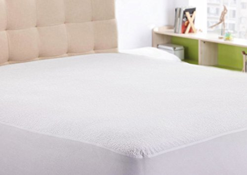 Price comparison product image 100% Waterproof Mattress Protector Premium Polyester, Toweling Surface Vinyl-free with Life Time Warranty by The Duck And Goose Co - California King