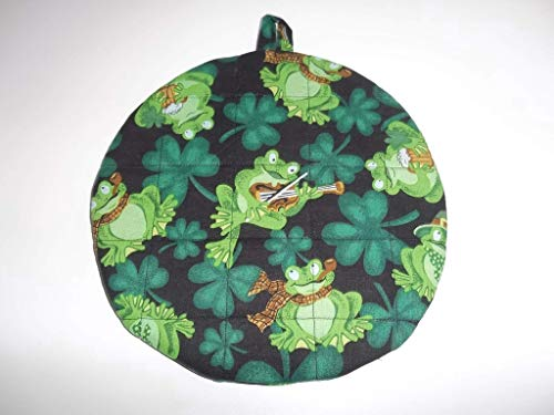 Quilted Frog (Pot Holders Heat Resistant St Patrick's Day Irish Frogs Potholders Handmade Double Insulated Quilted Hot Pads Trivets 9 inches Round)