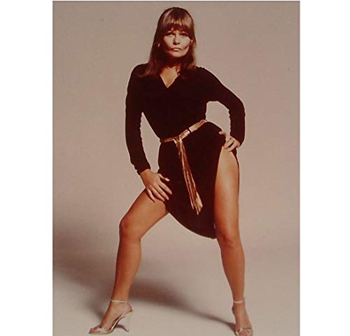 (Valerie Perrine as Eve Teschmacher in Superman Bare Leg Spread Wide Looking Sexy Hands on Hips 8 x 10 Inch Photo)