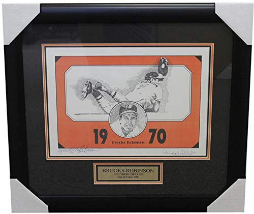 - Brooks Robinson Baltimore Orioles Autographed Signed Framed 11x14 Photo with Nameplate - Certified Authentic