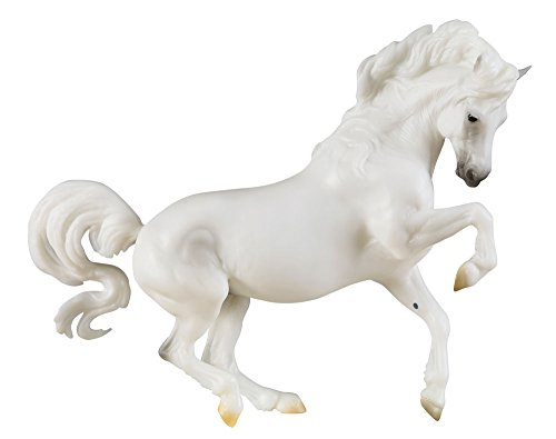 Breyer Traditional Banks Vanilla Horse Toy Model (1: 9 Scale), Multicolor
