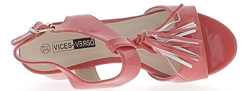 Sandales rouges vernies à petits talons épais de 6cm avec brides larges