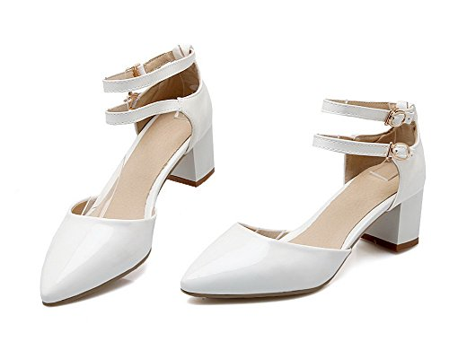 Closed Heels Toe White WeenFashion Solid Patent Leather Sandals Women's Buckle Kitten qqT8wXH