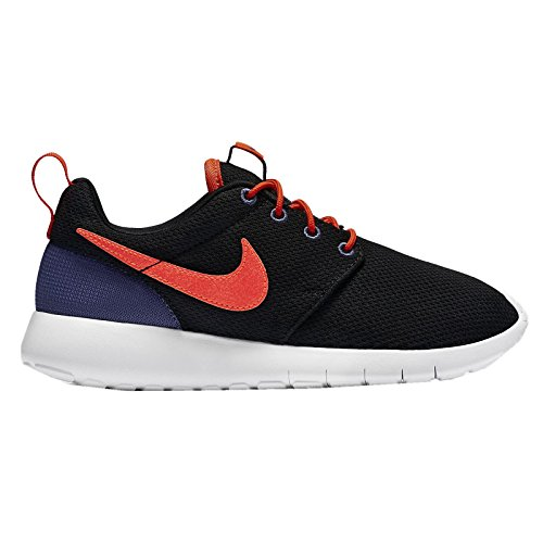 Nike Youths Roshe One Black Mesh Trainers 39 Eu