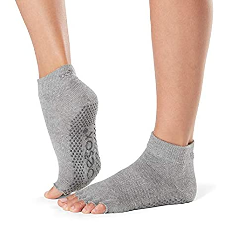 fitness-mad Yoga Mad - chaussettes Sport antidérapants  Amazon.fr  Sports  et Loisirs 1b2bc1782fb
