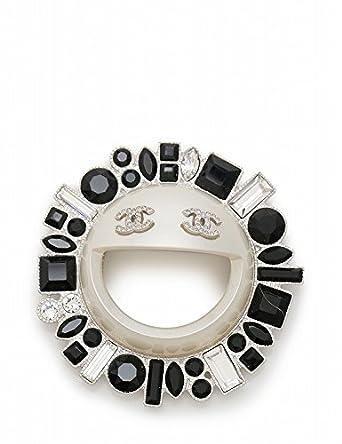 e350f854171a Amazon.co.jp: (シャネル) CHANEL ブローチ ココマーク スマイルモチーフ メタル ラインストーン シルバー 白 黒 B16K 中古:  服&ファッション小物