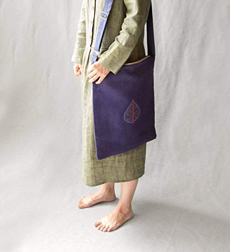 Women's navy linen bag with embroidered leaf