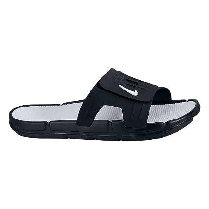 eeee5d01c04a Amazon.com  Nike 317711 Men s Bati Slide II - Black White  Sports ...