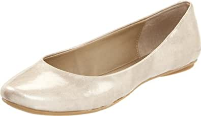 Kenneth Cole REACTION Women's Slip On By Flat Gold Patent 5 M US,Light Gold,
