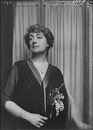 Photo: Griggs,Maitland,Mrs,portrait photograph,women,b,A Genthe,1915
