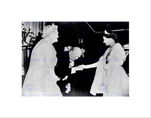 VINTAGE WINSTON CHURCHILL QUEEN ELIZABETH HANDSHAKE FRAMED ART PRINT - Glasses Churchill Winston