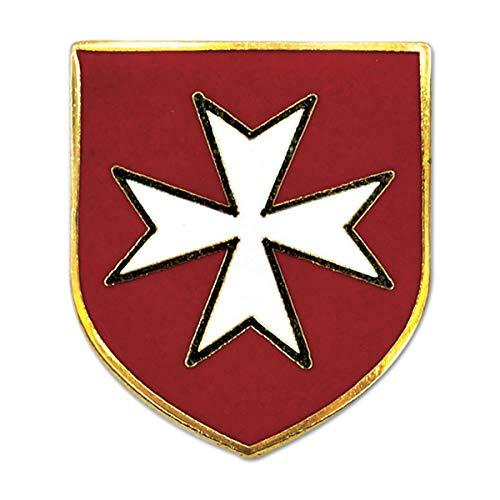 (Maltese Cross Red Shield with White Masonic Lapel Pin - 3/4