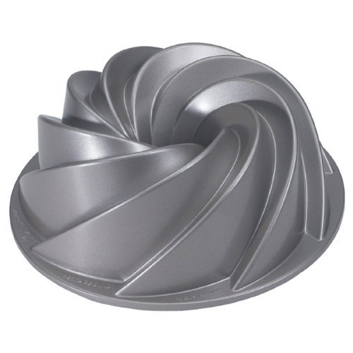 Nordicware Commercial Heritage Bundt Pan Heavy Duty Cast Aluminum. Teflon Non-stick Coating. 10 cup capacity