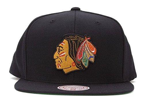 498093e4c09 Mitchell   Ness NHL Vintage Wool Basic Black Chicago Blackhawks Logo