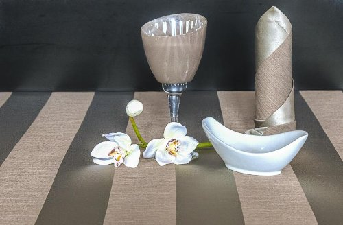 TISCHDECKE eckig teflonbeschichtet, pflegeleicht in Designs:Mailand Farbe: taupe Maß: 130x180