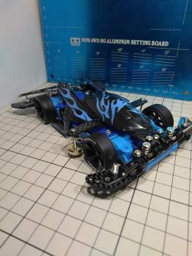 ミニ四駆 ホエイル フレキ ATバンパー サンダーショット カーボン 完成 改造 最速 B07QK9LS4C