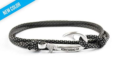 Chasing Fin Adjustable Bracelet 550 Military Paracord with Fish Hook Pendant (Charcoal Gray Diamonds)