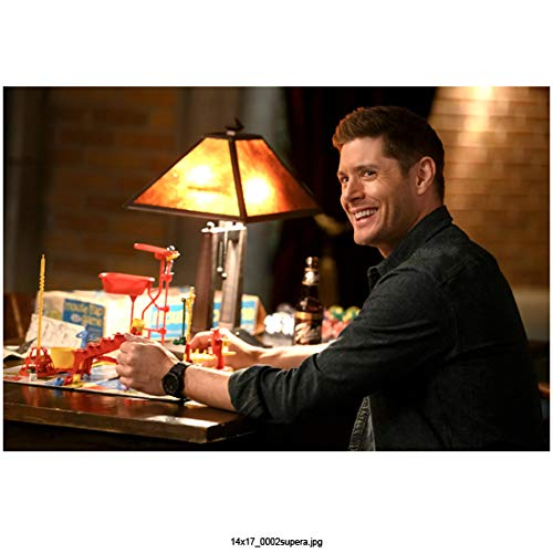 Jensen Ackles 8 inch X 10 inch photograph Supernatural (TV Series 2005 -) Seated Grinning Looking Left kn