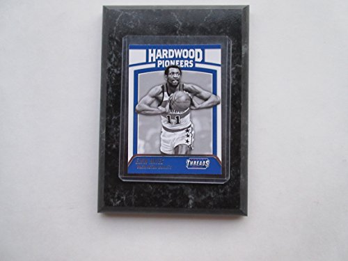Elvin Hayes Washington Bullets Prestige Threads NBA 2016-17 Hardwood Pioneers player card mounted on a 4