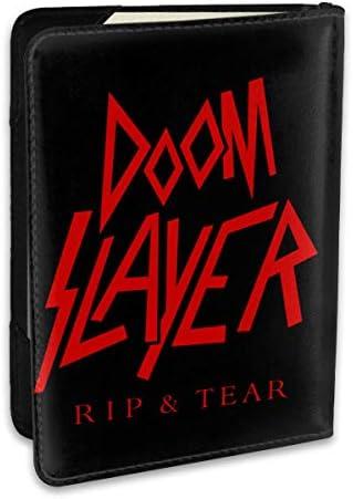 Doom Slayer パスポートケース メンズ 男女兼用 パスポートカバー パスポート用カバー パスポートバッグ ポーチ 6.5インチ高級PUレザー 三つのカードケース 家族 国内海外旅行用品 多機能