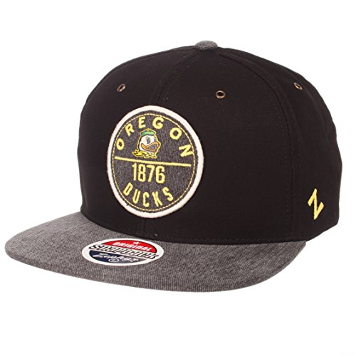 5bce2167dc67b ZHATS NCAA Oregon Ducks Men s Admiral Snapback Hat