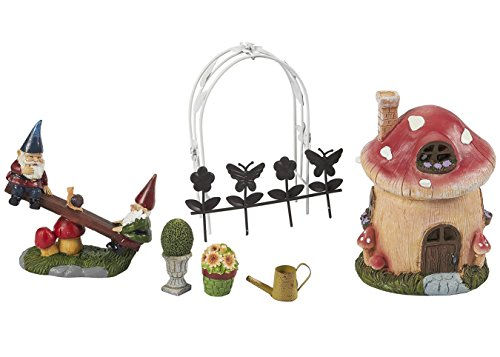 Juvale 7 Piece Garden Gnomes - Ornament set, Gnomes Miniature Figurines, Garden Ornaments for Outdoor