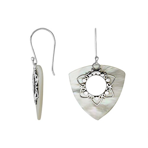(Bali Designs Sterling Silver Trillion Shape Earring with Shell AE-1083-SH)