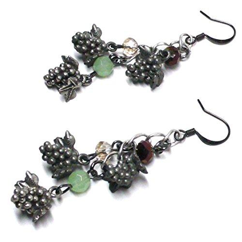 (Pewter Grape Cluster Pierced Earrings )