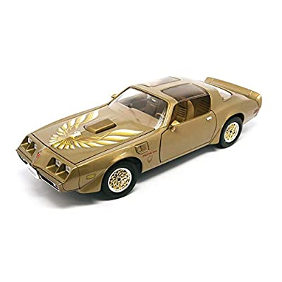 Pontiac 1979 Firebird Trans Am Gold 1/18 by Road Signature 92378: Toys & Games