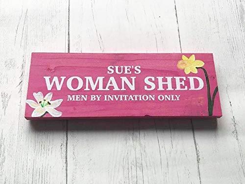 SIGNS - Placa de Madera Personalizable para Hombre con diseño de Cueva de Mujer Rosa