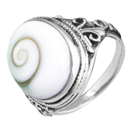 (Vintage Style Sterling Silver Ring with Oval Eye of Shiva Shell)