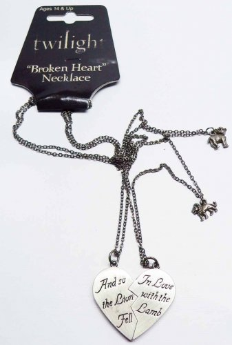 [Neca Twilight Memorabilla Movie Lion and Lamb Broken Heart Jewelry Necklace Gift Set] (Lamb Costume Makeup)
