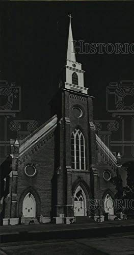 Vintage Photos 1988 Press Photo Prince Peace Catholic Church on Charleston Street in ()