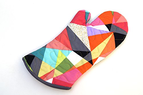 Colorful Quilted Fabric Oven Mitt with Modern Triangle Pattern