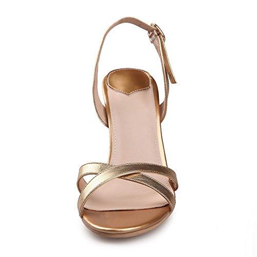 Amoonyfashion Vrouwenmengsel Materialen Open Teen Spikes Stilettos Gesp Solide Sandalen Goud