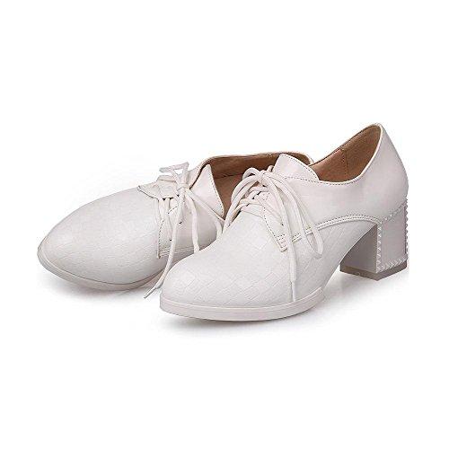 AllhqFashion Damen Schnüren PU Rund Zehe Mittler Absatz Rein Pumps Schuhe Weiß