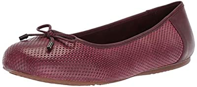 SoftWalk Women's Napa Embossed Ballet Flat