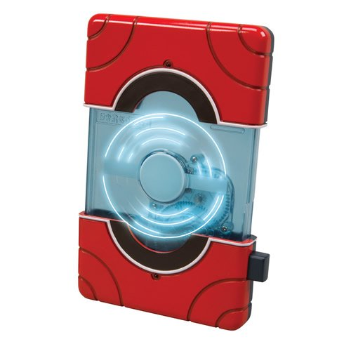 The Kilos Region Pokedex has electronic sound effects, multicolor light effects, accurate styling and physical-mode transformation. Pretend to scan your Pokémon figures by opening up the Pokedex, hold it up to a Pokémon figure and continuousl...