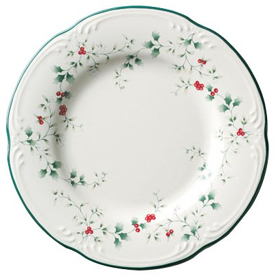 Pfaltzgraff Winterberry Luncheon Plate