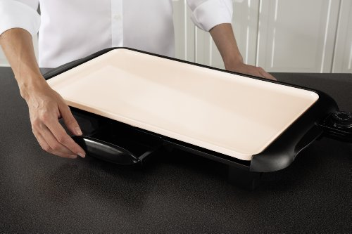 Oster Titanium Infused DuraCeramic Griddle with Warming Tray, Black/Crème (CKSTGRFM18W-TECO) by Oster (Image #8)