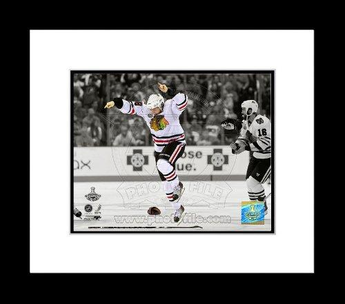 (Patrick Kane Chicago Blackhawks 2010 Stanley Cup Celebration Framed Photo 12x15)