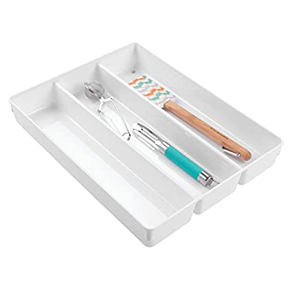 mDesign Cubertero antideslizante con tres divisiones – Organizador de cubiertos para utensilios de cocina – Bandeja