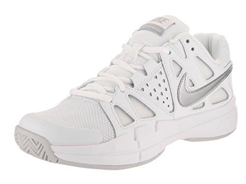 Nike Women's Air Vapor Advantage White/Mtlc Silver Pr Pltnm Tennis Shoe 7 Women US (Womens White Tennis Shoes Nike)