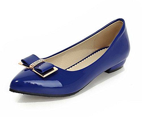 AllhqFashion Damen Spitz Zehe Ziehen auf PU Leder Rein Niedriger Absatz Pumps Schuhe Blau