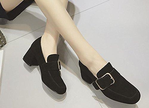 2017 lado del resorte solos zapatos hebilla hembra con hebilla altos talones de cuero de metal con zapatos mate negro