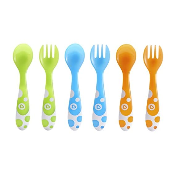 Munchkin 6 Piece Fork and Spoon Set 1 <p>Young kids love emulating mom and dad, and with Munchkin's toddler Multi Forks and Spoons, they can be just like their favorite grownups at the dinner table. The pack includes 3 forks and 3 spoons that are designed to aid self feeding. The large curved handles are designed to make scooping easier and the fork tines are rounded for safety. BPA free and top rack dishwasher safe. Great for boys and girls 12 months and up. Set includes 3 toddler forks and 3 toddler spoons Colors include blue, green and orange Rounded fork tines and spoon for safe self feeding Large handles are easy for toddlers to hold BPA free, top rack dishwasher safe, 12 months and up</p>